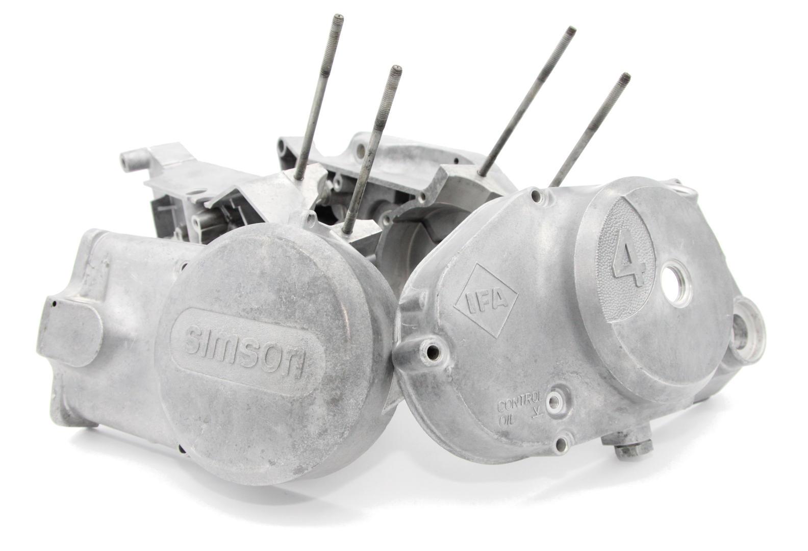 Motorgehäuse strahlen mit Haselnussschalen
